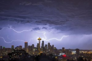 130810_seattle_lightning_01